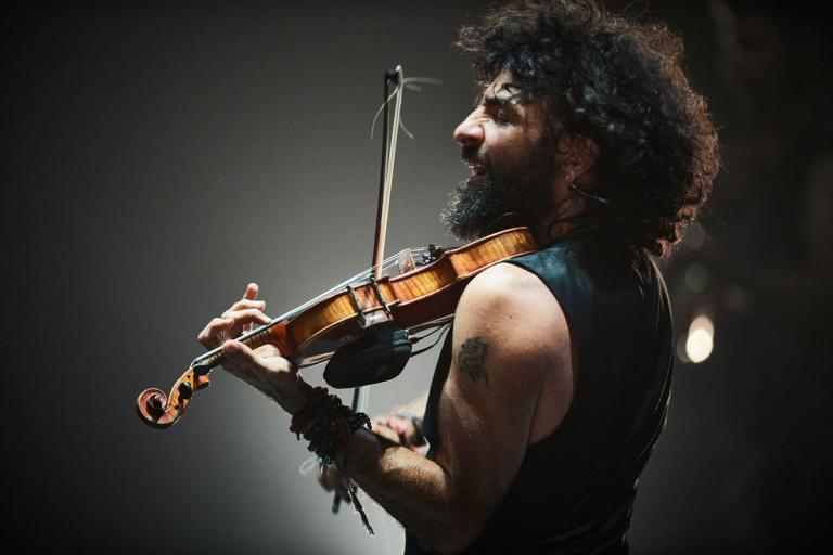 Pandora Producciones - El virtuoso violinista Ara Malikian regresa a Valladolid para presentar su nueva Gira Royal Garage World