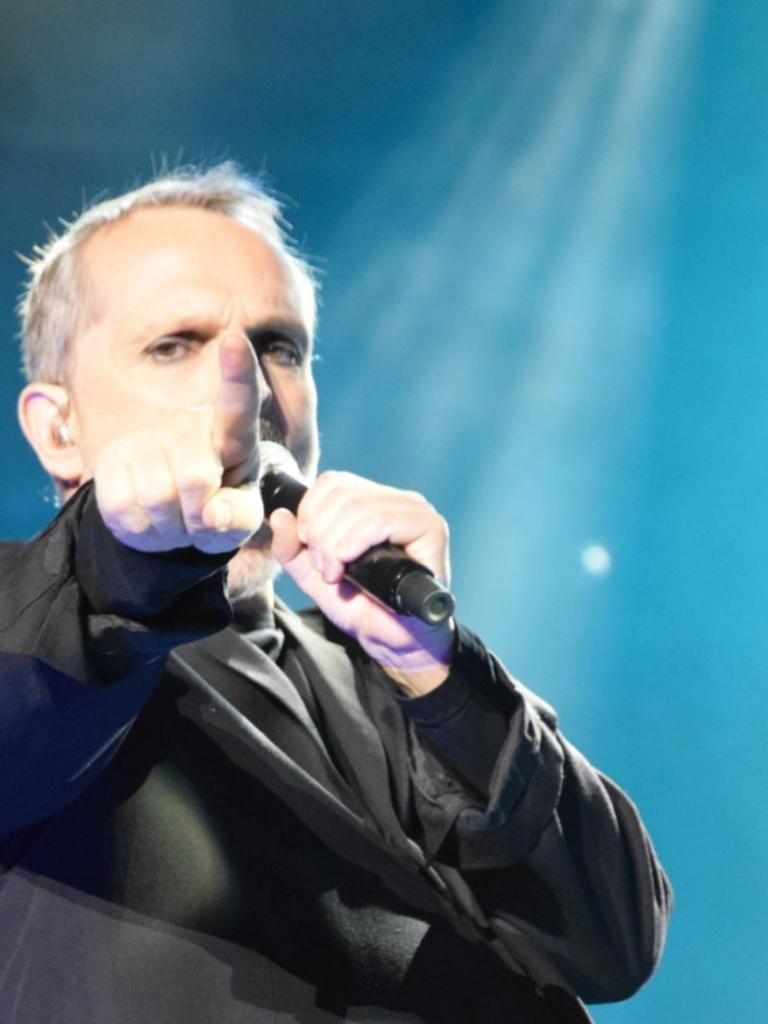 Pandora Producciones - Miguel Bosé despliega todo su arte en una noche triunfal ante 5.000 incondicionales para celebrar sus 40 años sobre los escenarios en Simancas